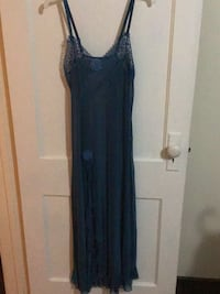 Nigh gown blue long size medium  Windsor, N8W 1A3