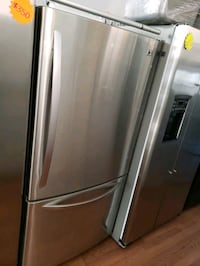 "LG 33"" STAINLESS STEEL BOTTOM FREEZER REFRIGERATOR Long Beach, 90815"