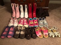 Toddler girls boots and shoes lot size 8-9 Tomball, 77377