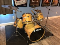 Beige yamaha drum set Gambrills, 21054