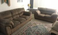 Matching couch set w/pull out bed Costa Mesa, 92627