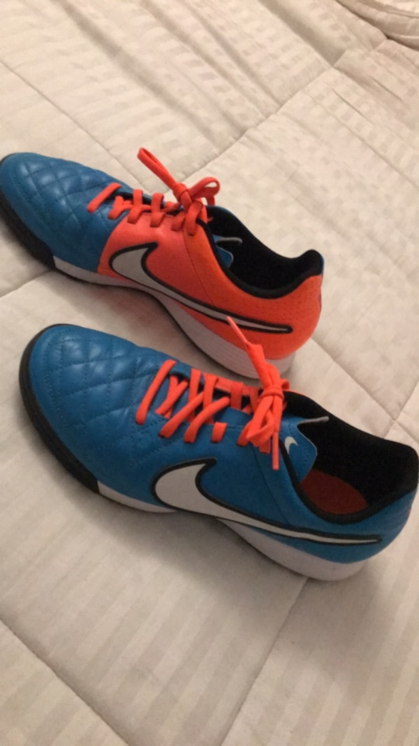 49fe3fc6c5029 Used Nike turf shoes size 7 in women s for sale in Sunnyvale - letgo