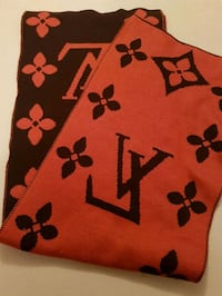 LV wool scarf  Whitby, L1N 8X2