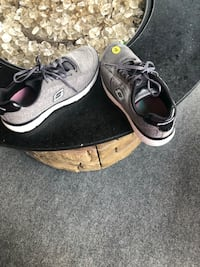 Sketchers size 7.5 Warren, 48088