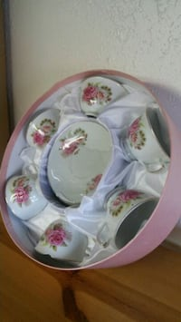 12pc Cups & Saucers Set (new)1 cup chipped/damaged mu, 84117