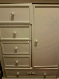white wooden 4-drawer chest Ottawa, K2G 0E8