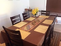 Extendable Dining Table + 6 chairs Toronto, M1P 3N7