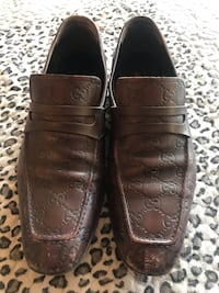 pair of brown leather loafers 马卡姆, L3R 0V2