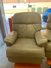 Leather recliner Chicago, 60616