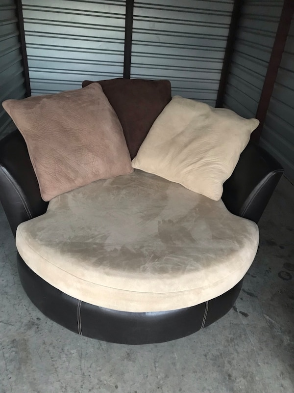 Used Round Sofa Chair For Sale In Fort Worth Letgo
