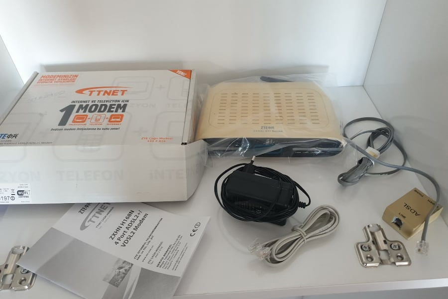 ZTE VDSL Modem 4Port + USB + WiFi 1