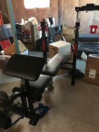 Pick up in mornville Weight bench w/weights Edmonton, T5Z 0J5