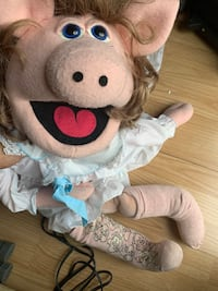 Female pig Hand puppet Mississauga, L5R 3W1