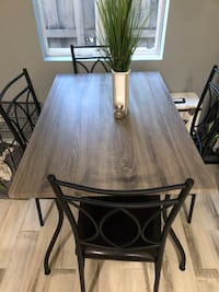 Grey faux wood table and chairs Fort Lauderdale, 33311