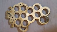Solid brass grapes trivet Hagerstown, 21740