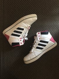 Adidas black and pink girls sneakers Toronto, M9W 7B3
