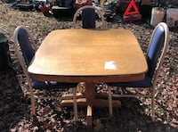 Oak wood Table with 3 metal chairs Hughesville, 20637