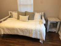 Pallet Daybed & Night Stand Lexington, 29072