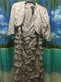 Women's dress Kathy Roberts 14w is negotiable Willow Grove, 19090