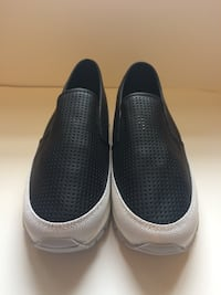 Common Projects looking slip on