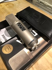 RODE NT2-A condenser microphone  Toronto, M6G 2N5