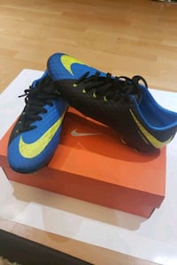 Nike cleats size 9