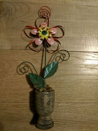 Metal/Wood Flower decor and picture frame Manheim, 17545