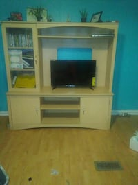 """Thats a 32"""" will fit bigger entertainment center  Maryville, 37801"""