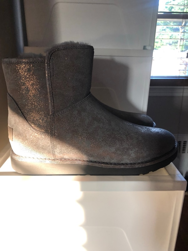 bf901861200 Gray stardust ugg boots