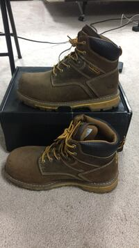 Dakota work boots size 9 Langley, V3A 1B1