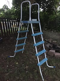 Double sided pool ladder Welland, L3C 6B4