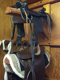 VARIOUS HORSE EQUIPMENT FOR SALE