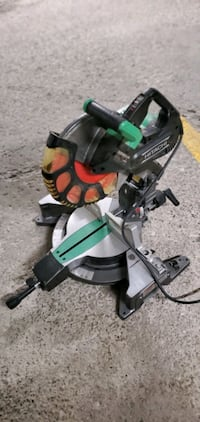 Hitachi 12 inch dual compound mitre saw with laser Mississauga, L4T 2W9
