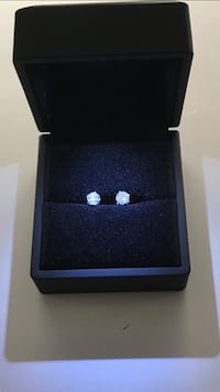 1 carat Unisex Diamond studs earrings  Ashburn, 20147