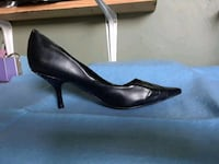 pair of black leather pointed toe heeled shoes Barstow, 92311