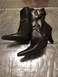 pair of black leather boots Red Deer, T4E 0S3