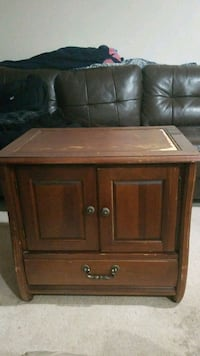 brown wooden 2-door cabinet Woodstock, 30189