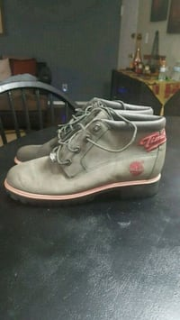 pair of gray Timberland work boots Alexandria, 22302