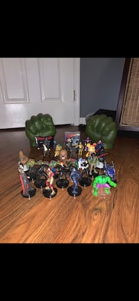 Assorted toy figures (cheap!)