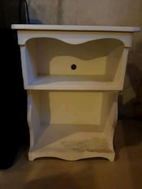Side table Courtice, L1E 3G3