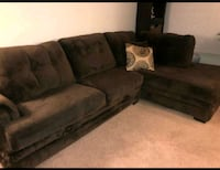 Like New Sectional w/ swivel chair!!! Moving!!! Detroit, 48235