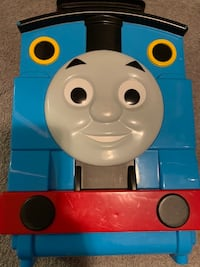 Thomas and friends trains and carrying case