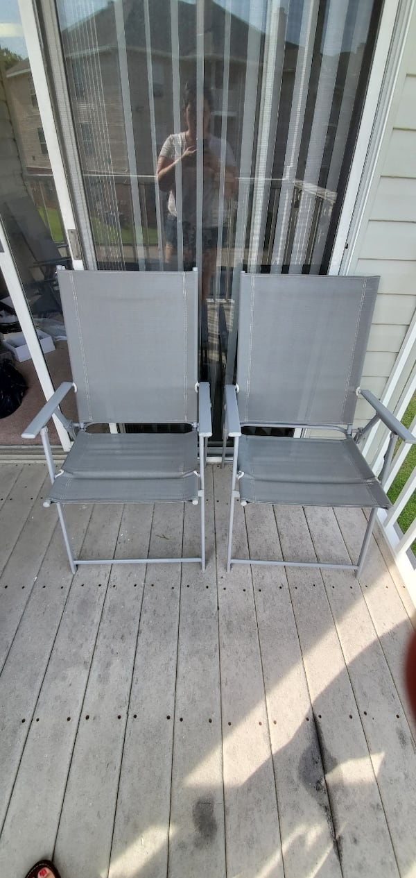 4 outdoor chairs 1