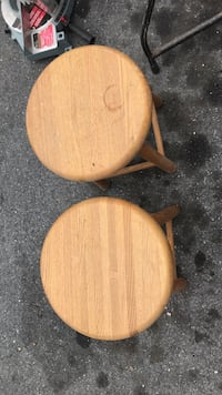 Small bar stools 60 km
