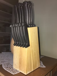 KNIFE SET | Set of 14 knives in wood block  Roblin, R0L