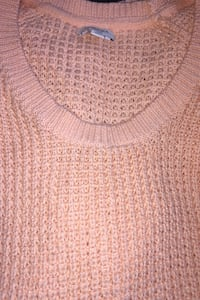 Light coral sweater, L, new Lincoln, 02865