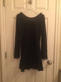 black scoop-neck long-sleeved dress Surrey, V3V 2A1