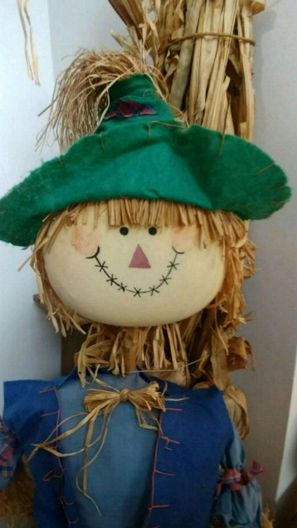 Used Outdoor 6 Foot Scarecrow Decoration For Sale In Ridgefield Letgo