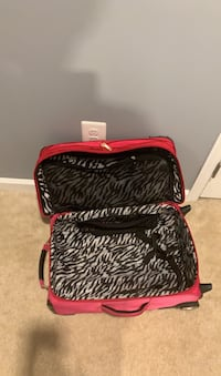 Suitcase must go today Odenton, 21113