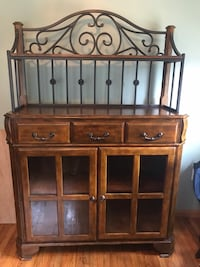 Brown wooden cabinet with shelf Johnstown, 15905